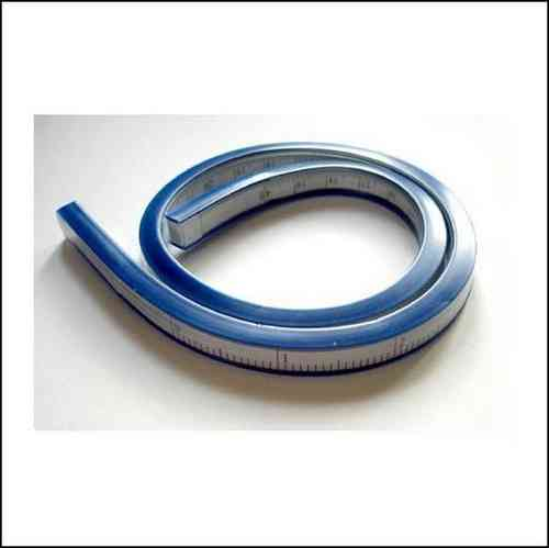 Regla Flexible disponible en 30 cm.